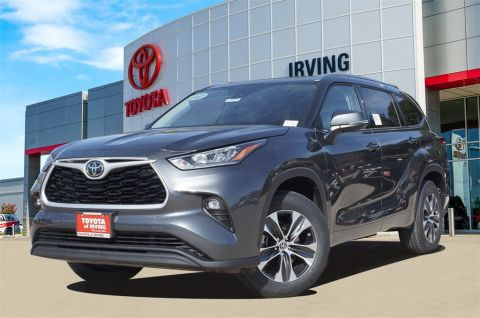 New 2020 Toyota Highlander XLE FWD 4